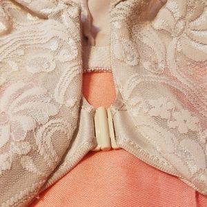 21c43ebfbd Glamorise Intimates   Sleepwear - 💋3  24💋GLAMORISE LACE FRONT CLOSE BRA